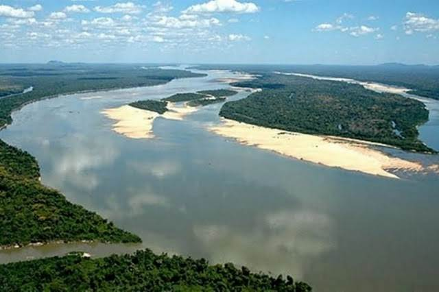 http://www.oeco.com.br/images/stories/abr2010/araguaia.jpg