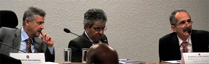 Em audiência conjunta das Comissões de Meio Ambiente, Agricultura e Ciência e Tecnologia do Senado, Aldo Rebelo assume erros no Projeto da Câmara. (Foto: Nathália Clark)