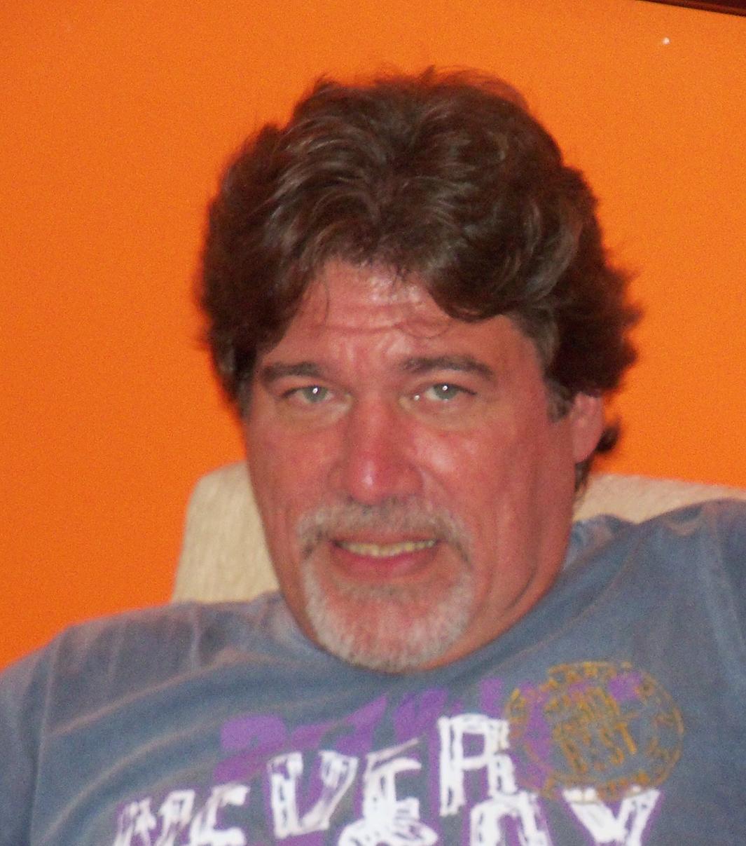 Luiz Paulo Vieira Ribeiro, cartunista e criador dos ECOMEN